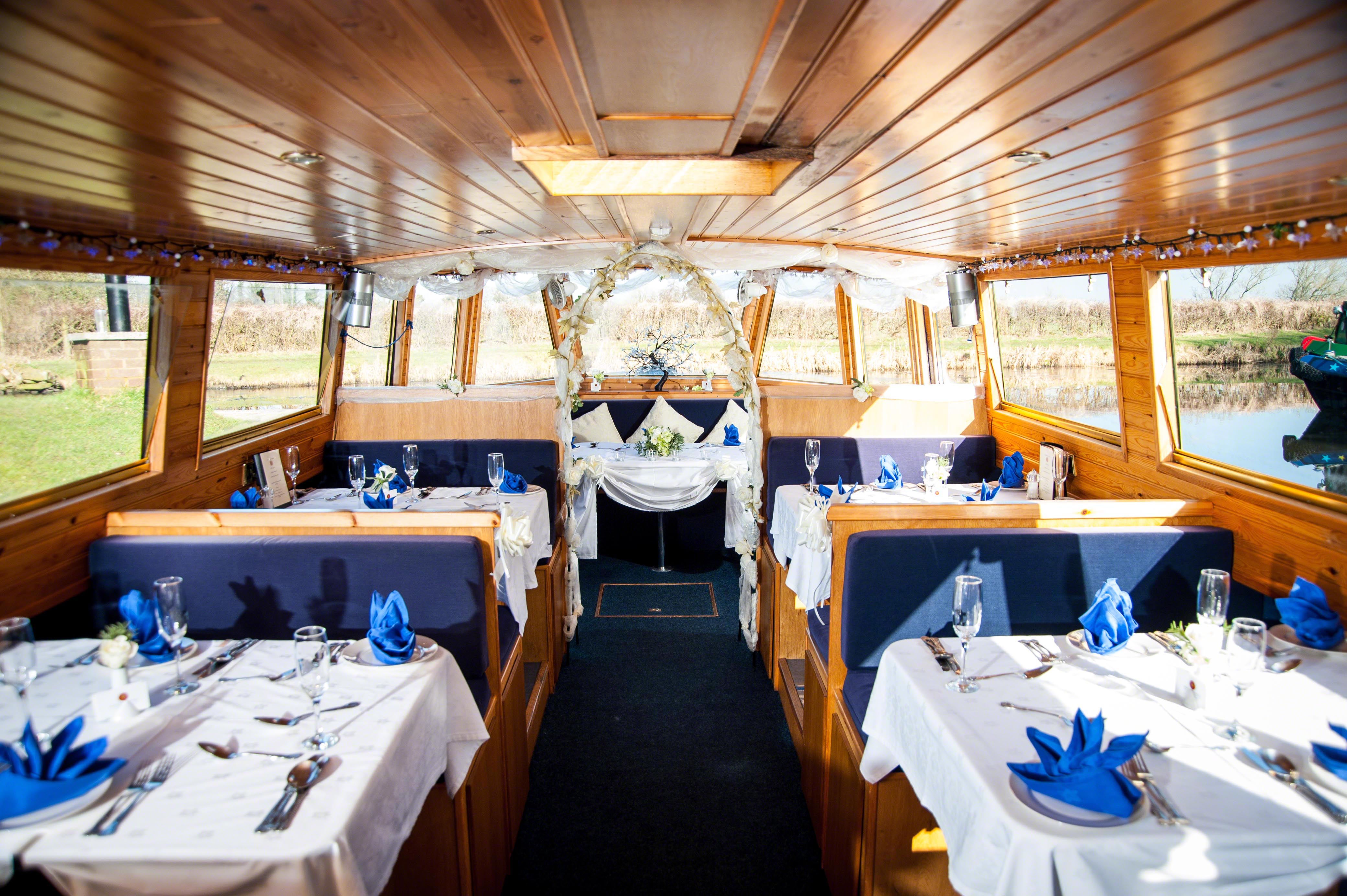 Cruise & Dine | Canal Boat Cruises